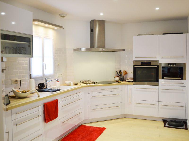 Cuisines viaud cuisines meubles saint gilles croix for Armoire de cuisine st gilles