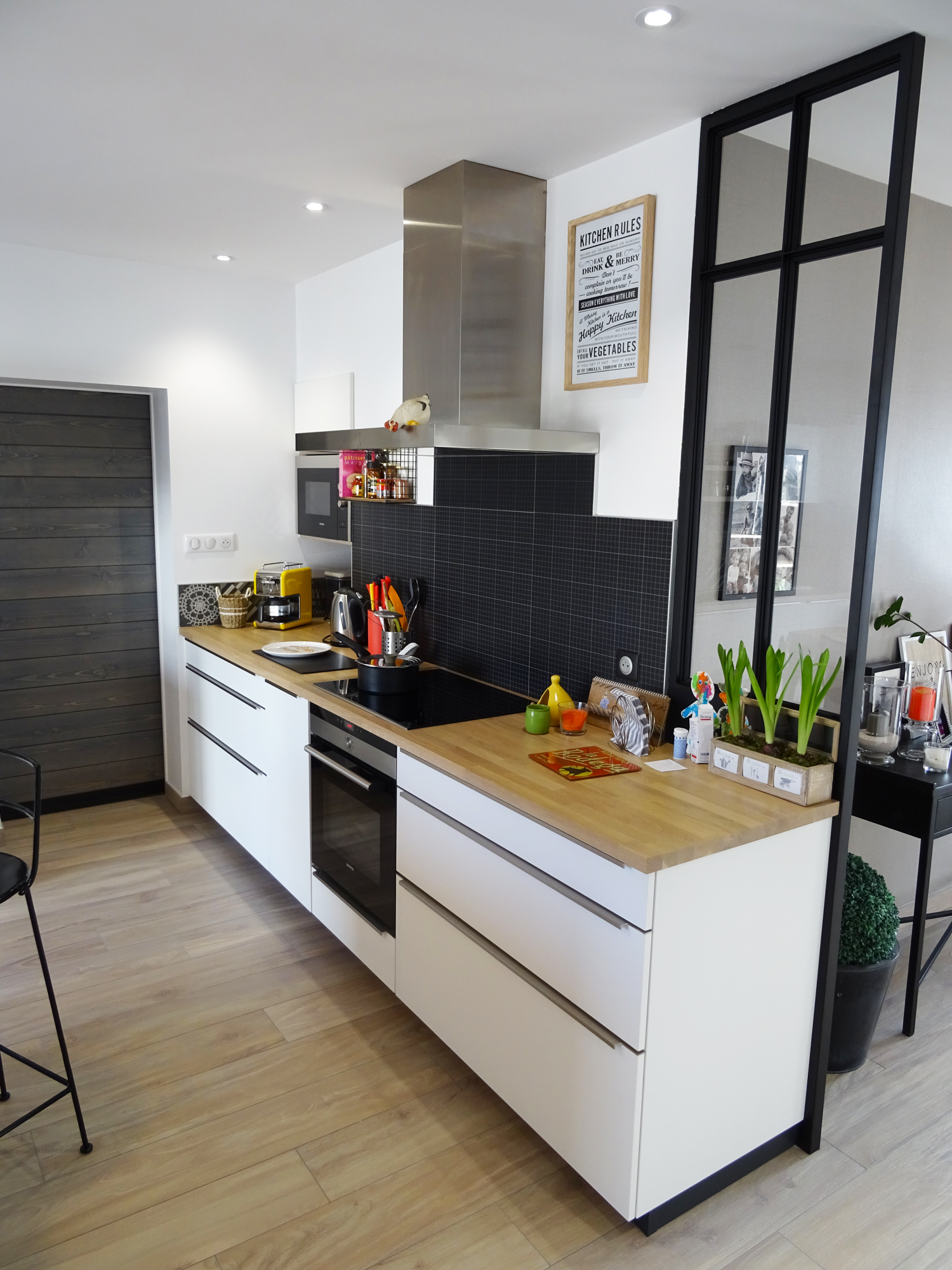 cuisine contemporaine avec verriere vendee st gilles les sables olonnes cuisines viaud. Black Bedroom Furniture Sets. Home Design Ideas