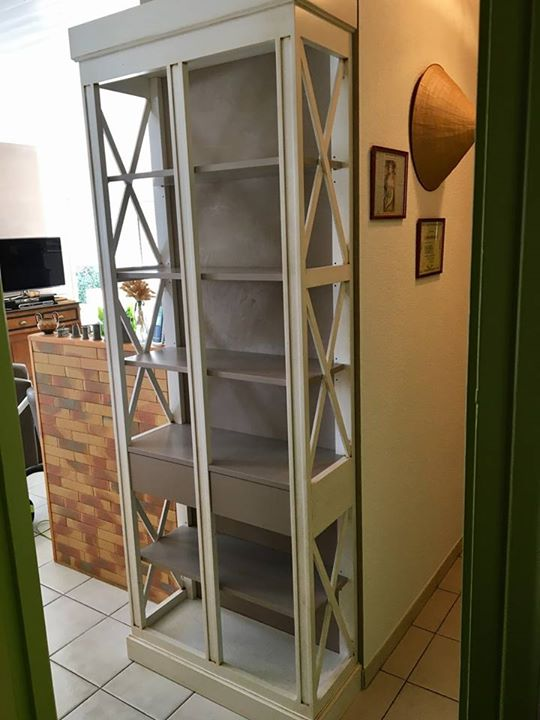 fabrication d 39 un joli meuble en massif sur mesure finition laqu et patin cuisines viaud. Black Bedroom Furniture Sets. Home Design Ideas