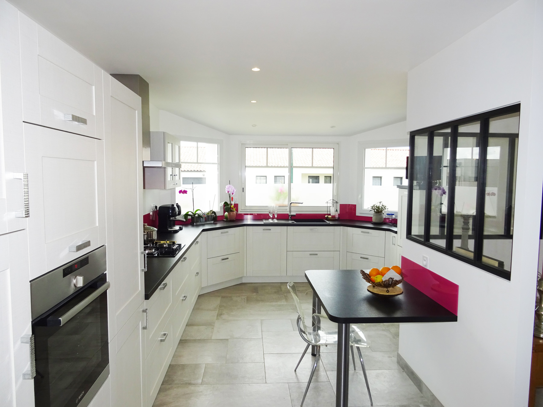 cuisine contemporaine sur mesure st gilles croix de vie g viaud cuisine et meubles. Black Bedroom Furniture Sets. Home Design Ideas