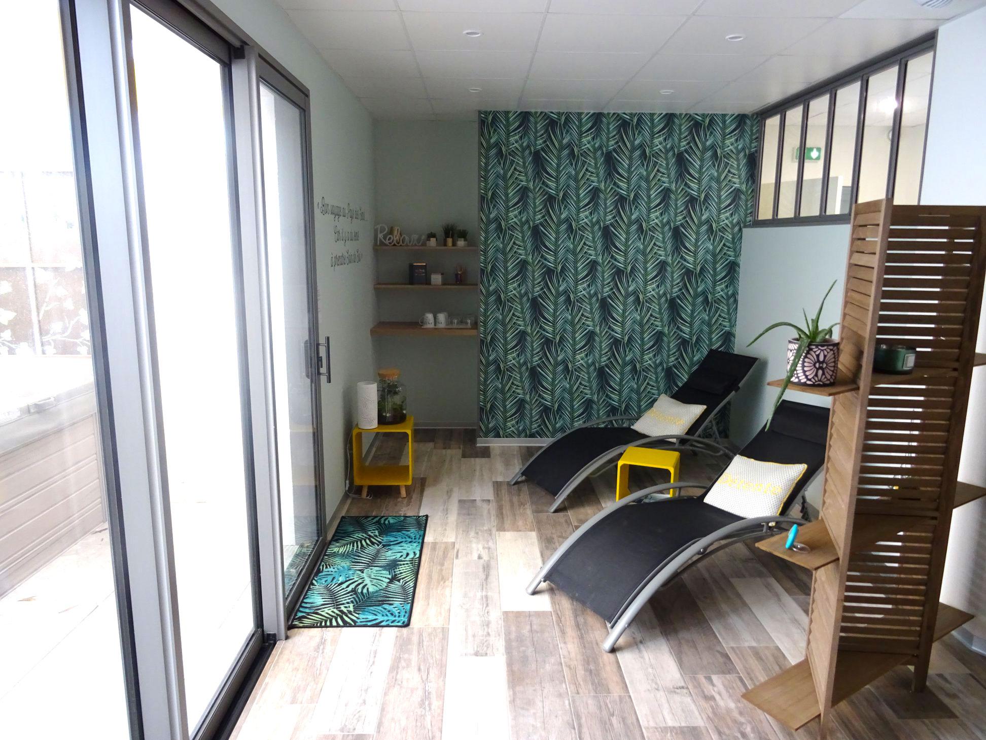 Institut-de-beaute-ParentAize-Amenagement-interieur-sur-mesure-boutique-agencement-G-Viaud-Aizenay-Vendee3